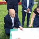 Сергей Артамонов посетил Чебоксарский район, где встретился с жителями села Альгешево