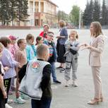 Депутат «Единой России» провела экскурсию для школьников Ленинска-Кузнецкого