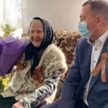 Депутат «Единой России» поздравил тружеников тыла с Днем Победы