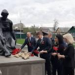 В районах области единороссы организовали поздравление ветеранов с Днем Победы
