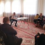 Максим Смирнов провел встречу с жителями поселка Уптар