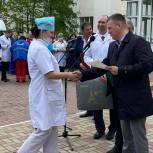 «Единая Россия» передала больнице в Липецкой области новый автомобиль