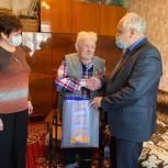 Единороссы первичных отделений поздравляют Ветеранов с Днем Победы