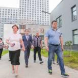 Лариса Лазутина проверила ход строительства детского сада и школы в микрорайоне Одинцово – 1