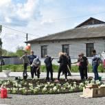 В Пителинском районе высадили цветы и обновили арт-объекты