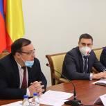 В региональном парламенте обсудили организацию бесплатного горячего питания школьников