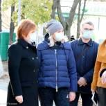 Продолжается благоустройство сквера на улице Трудовой