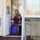 В Серпуховском округе единороссы помогли установить пандус для спортсменки-колясочницы из деревни Большое Грызлово