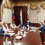 Единороссы в окружном Собрании депутатов обсудили повестку предстоящей сессии