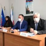 Дмитрий Плеханов встретился с местным политсоветом «Единой России» в Энгельсе