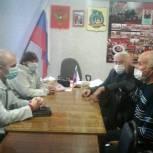 Депутат поможет Совету ветеранов Марксовского района с ремонтом здания