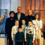 В Тюменском театре кукол отпраздновали день рождения Конька-Горбунка