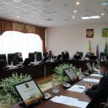 Депутаты-единороссы обсудили вопросы предстоящей сессии
