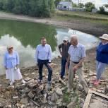 По инициативе Николая Петрунина началась очистка пруда в деревне Федосовка