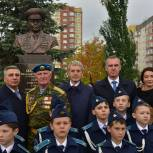 В Тюмени открыли памятник командующему ВДВ Василию Маргелову
