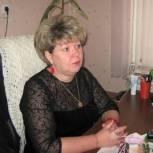 Нуждающимся в поддержке семьям помогли в местной партийной приемной