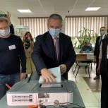 Губернатор Тюменской области проголосовал на своем избирательном участке