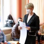 Елена Шмелева: Сохранение курса на развитие образования, поддержку семей с детьми зависит от того, какие люди сегодня будут избраны
