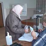 В Лопатинском районе голосуют ветераны