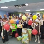 Воспитанники детского дома Нижнего Тагила получили в подарок на День знаний школьные принадлежности