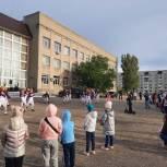 Депутат Саратовской городской Думы Вячеслав Тарасов помог организовать праздник двора в Ленинском районе