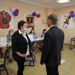 Владимир Жук оценил работу избирательных участков в Дзержинском