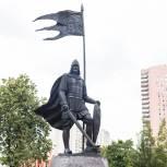 Андрей Турчак и Сергей Лавров открыли памятник Александру Невскому на территории МГИМО