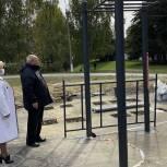 Сергей Егоров проверил установку новых спортивных площадок в избирательном округе
