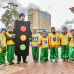 Молодогвардейцы напомнили детям Балашихи о правилах поведения на дороге