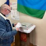 Руководитель Регионального исполнительного комитета Артём Валюк, принял участие в голосовании.