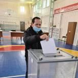 Боксёр Анатолий Петрович Визирякин принял участие в голосовании на выборах депутатов Государственной Думы