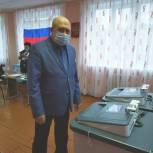 Златоустовские единороссы одними из первых пришли на избирательные участки