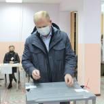 Иван Богданов проголосовал на выборах в депутаты Государственной думы РФ восьмого созыва