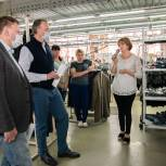 Сотрудники швейной фабрики «Славянка» рассказали Александру Козловскому о необходимости новой поликлиники в Пскове