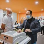 Глава городского округа Химки Дмитрий Волошин проголосовал на выборах