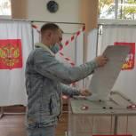 Молодые жители Люберец активно участвуют в выборах в первый день голосования