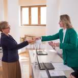 Победители выборов в Государственную Думу получили удостоверения об избрании