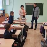 Леонид Пронин провёл рабочий день в Урмарском районе