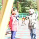 Ирина Белых проверила итоги благоустройства во дворе корп. 1014 в районе Силино