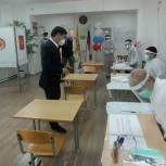 Глава Калмыкии принял участие в первый день голосования