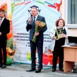 Во всех школах Советского района прошли праздничные линейки, посвященные Дню знаний