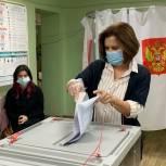 Сегодня свой гражданский долг исполнила председатель Законодательного Собрания ЕАО Любовь Павлова