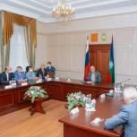 Рашид Темрезов встретился с представителями фракции «Единая Россия» в Парламенте республики