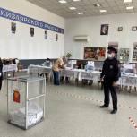 Безопасность в ходе голосования в Кизлярском районе обеспечивает свыше двухсот сотрудников полиции