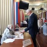 Сергей Носов принял участие в голосовании на выборах депутатов Госдумы VIII созыва