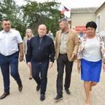 Михаил Развожаев и Татьяна Лобач проверили исполнение поручений и работу избирательного участка в селе Осипенко