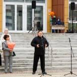 Олег Валенчук поздравил кировских педагогов и учащихся