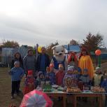 Александр Назаров организовал для детей поселка Козырево праздник золотой осени