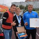 Александр Легков поздравил победителя Всероссийских соревнований по легкой атлетике