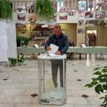 Депутаты Рязанской областной Думы голосуют на выборах в нижнюю палату парламента